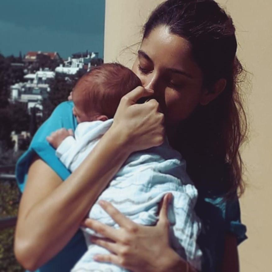 Δούκισσα Νομικού: Μας δείχνει το 11 μηνών γιο της ντυμένο πιγκουίνο
