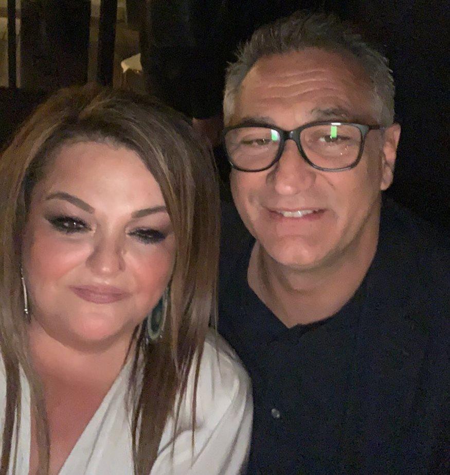 Ο Γιώργος Ντάβλας σε συνάντηση με την κυρία της MAT Fashion Μαριάνθη Μονέδα