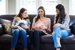 Γιατί η εγκυμοσύνη είναι... κολλητική; Τι δείχνει η έρευνα;