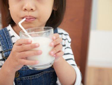 6 tips για να αγαπήσει το παιδί σου το γάλα