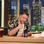 Γρηγόρης Αρναούτογλου: Όσα θα απολαύσουμε απόψε στο τελευταίο The 2Night Show της σεζόν
