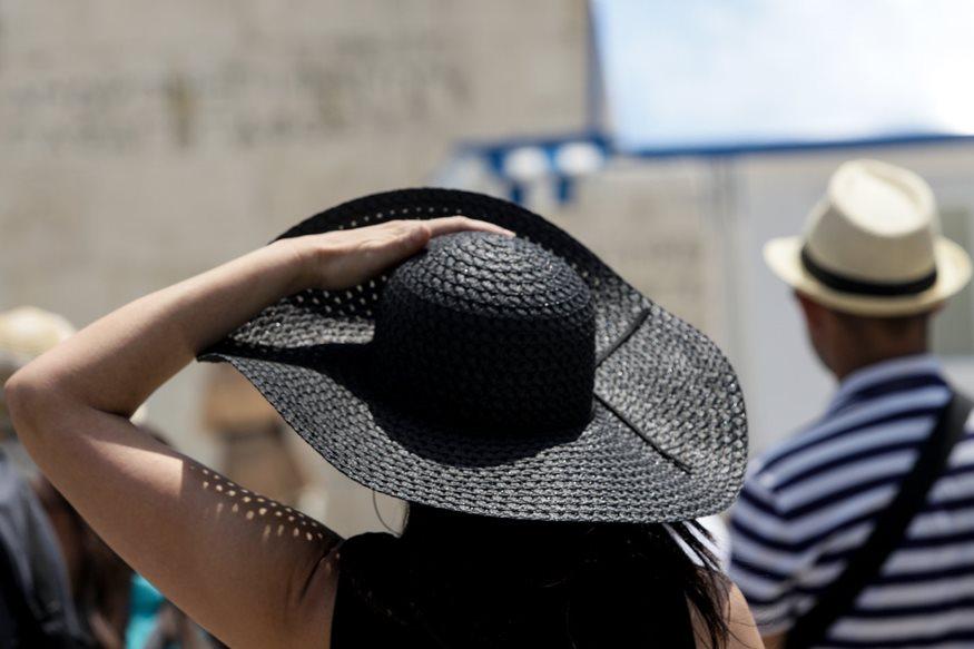 """""""Καταφύγια δροσιάς"""" του Δήμου Αθηναίων ενόψει καύσωνα"""