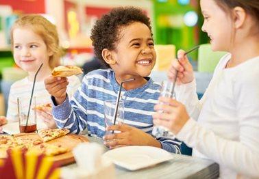 Μάθετε γιατί τα παιδιά δεν τρώνε τα υγιεινά γεύματα και πώς θα τα αγαπήσουν!