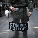 Επίθεση σε αστυνομικούς στη Βούλα