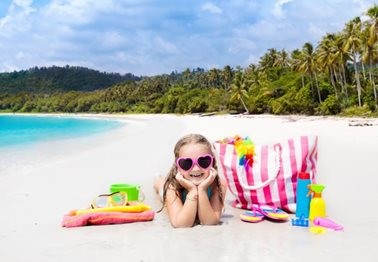 Τσάντα παραλίας: 7+1 must πράγματα που χρειάζεστε για τα παιδιά σας!