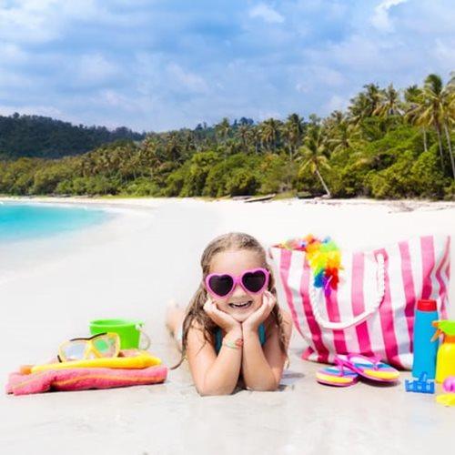 <span class=categorySpan colorGreen>Kids/</span>Τσάντα παραλίας: 7+1 must πράγματα που χρειάζεστε για τα παιδιά σας!
