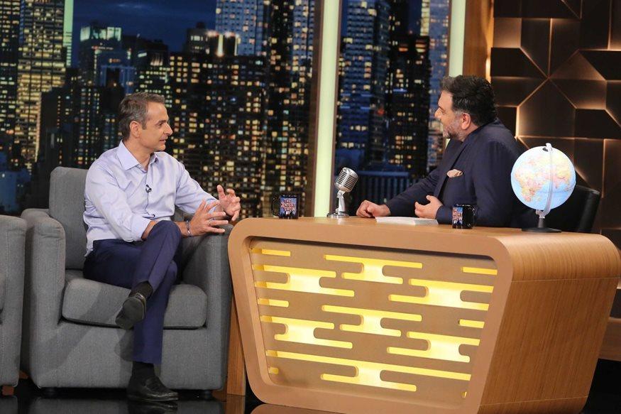 Ο Κυριάκος Μητσοτάκης συναντά τον Γρηγόρη Αρναούτογλου στο The 2Night Show