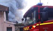 """""""Συναγερμός"""" από φωτιά στις Βερσαλίες"""