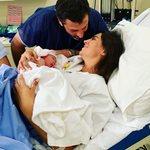 Φελίσια Λαπάτη: Οι φωτογραφίες από το μαιευτήριο και το δημόσιο μήνυμα για τη γέννηση του γιου της