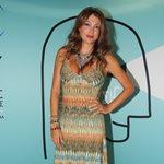 Κλέλια Ρένεση: H εγκυμονούσα ηθοποιός φόρεσε το μαγιό της και βγήκε στην παραλία