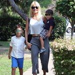 Πρώτη μέρα στο σχολείο: Η Φαίη Σκορδά φωτογραφίζει τους γιους της