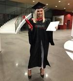 Η Λάουρα Νάργες πήρε το δεύτερο πτυχίο της! Αποκλειστικό φωτορεπορτάζ από την αποφοίτηση!