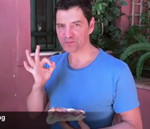 Φτιάξε κι εσύ τη συνταγή της πεντανόστιμης πίτσας του Σάκη Ρουβά!