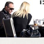 Paparazzi! Νίκος Αλιάγας: Με τη γοητευτική σύζυγό του στη Γλυφάδα τρεις μήνες μετά τον τοκετό
