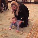 Ivanka Trump: Μας δείχνει το μωράκι της να μπουσουλάει για πρώτη φορά στον Λευκό Οίκο!
