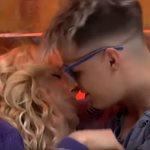 Power of Love: Ο Φίλιππος φίλησε στον στόμα την Έλενα