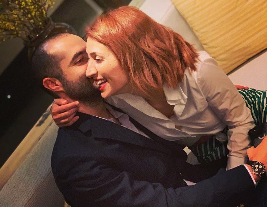 Μαρία Ηλιάκη: Ποζάρει με νυφικό και απαντάει στις φήμες που τη θέλουν να παντρεύεται