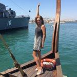 Ατύχημα για την Ευγενία Μανωλίδου - Έπεσε από τριήρη στη θάλασσα!