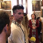 Ο Γιώργος Χρανιώτης είπε Όχι στο γαμπριάτικο look και εμφανίστηκε στην εκκλησία με σανδάλια!