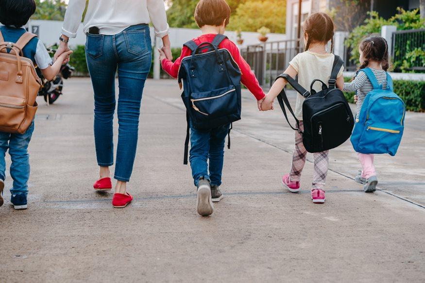 Πώς θα μεγαλώσετε ευτυχισμένα νήπια;