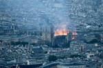 Θλίψη για την καταστροφή της Παναγίας των Παρισίων: Οι τελευταίες πληροφορίες