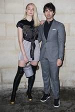 Sophie Turner: Παντρεύτηκε ξαφνικά η 23χρονη πρωταγωνίστρια του Game of Thrones