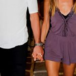 Paparazzi! Το ζευγάρι της ελληνικής showbiz μετρά έξι μήνες σχέσης και δείχνει πιο ερωτευμένο από ποτέ στη Μύκονο!