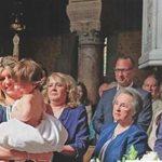 Ο Νίκος Αλιάγας βάφτισε τον γιο του στο Παρίσι - Δείτε φωτογραφίες από το μυστήριο!