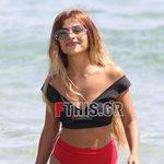 Paparazzi: Η Ελευθερία Ελευθερίου με black & red μαγιό σε παραλία της Μυκόνου!