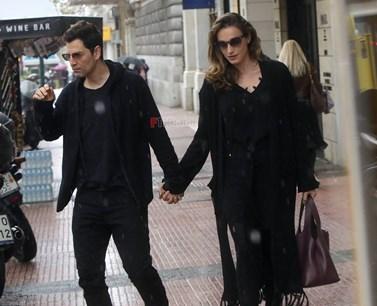 Σάκης Ρουβάς & Κάτια Ζυγούλη: Πιασμένοι χεράκι - χεράκι στο κέντρο της Αθήνας!