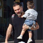 Nomads: Το δημόσιο Σαγαπώ του Γρηγόρη Αρναούτογλου στον γιο του!