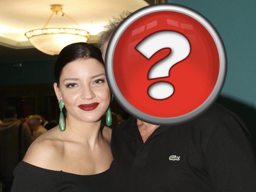 Είναι η κούκλα κόρη πασίγνωστου Έλληνα ηθοποιού!