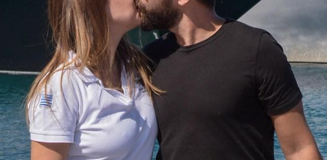 Paparazzi: Παθιασμένα φιλιά για το ερωτευμένο ζευγάρι της ελληνικής showbiz