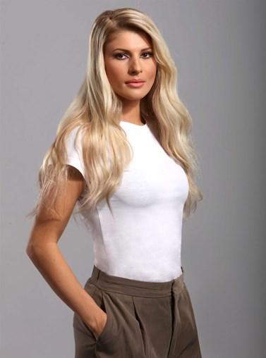 Η Όλγα Πηλιάκη έβαψε τα μαλλιά της αλλά δεν εντυπωσιάστηκε από το αποτέλεσμα
