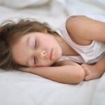 Λιγότερος ύπνος, περισσότερα κιλά και… κακή συμπεριφορά!