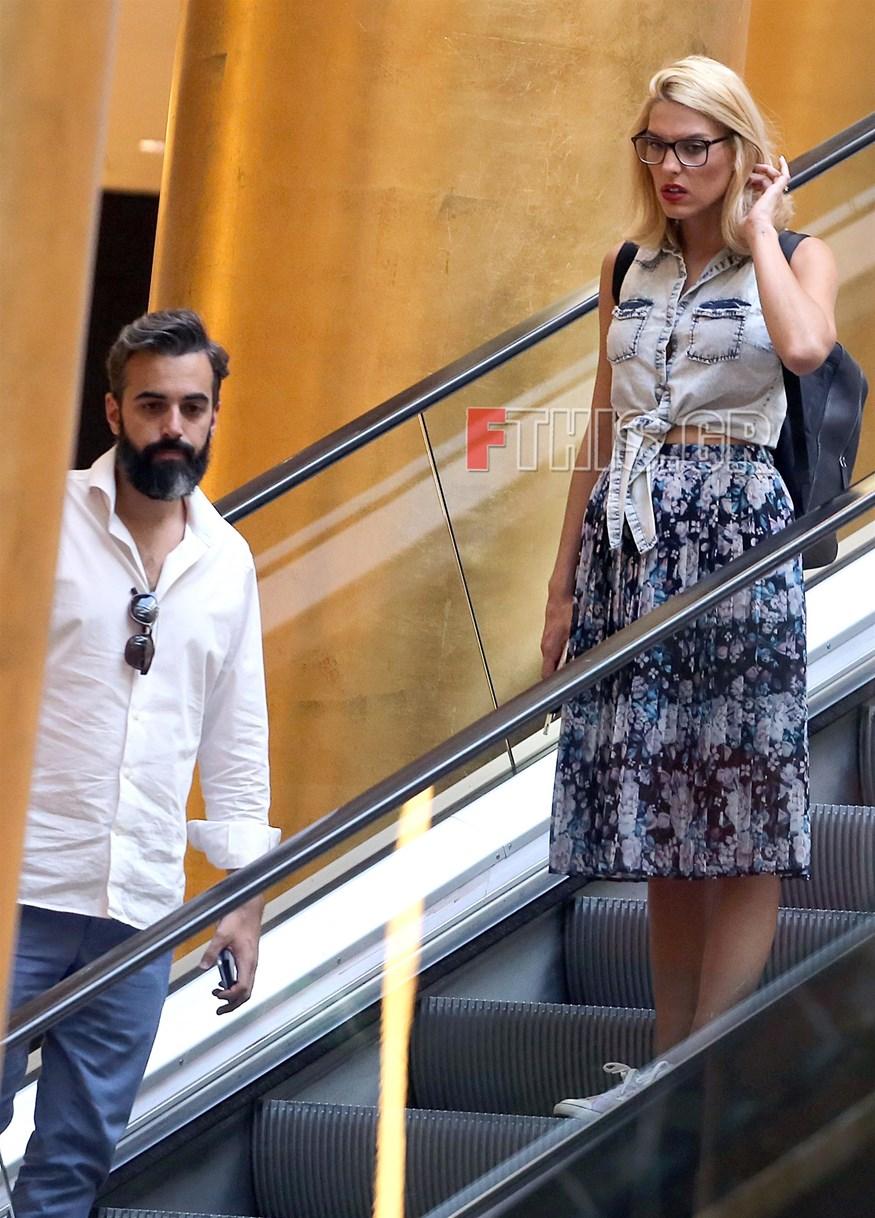 Paparazzi: Η Μαντώ Γαστεράτου και ο σύντροφός της για shopping therapy λίγες ημέρες πριν τον γάμο τους