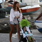 Τσιμτσιλή: Βόλτα στο νησί με την κορούλα της!