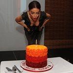 Eurovision 2018 - Ελένη Φουρέιρα: Το ταξίδι αστραπή στην Κύπρο και η τούρτα υπερπαραγωγή για τα γενέθλιά της!