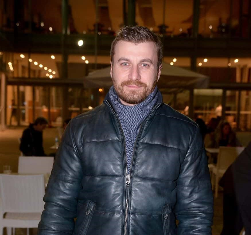 Σόλων Τσούνης: Βραδινή έξοδος δίπλα στην αδερφή του