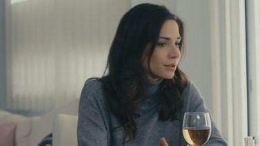 Το Τατουάζ-Εξελίξεις: Η Όλγα υπόσχεται στον Στέφανο ότι θα κόψει το ποτό, αλλά δεν τα καταφέρνει…