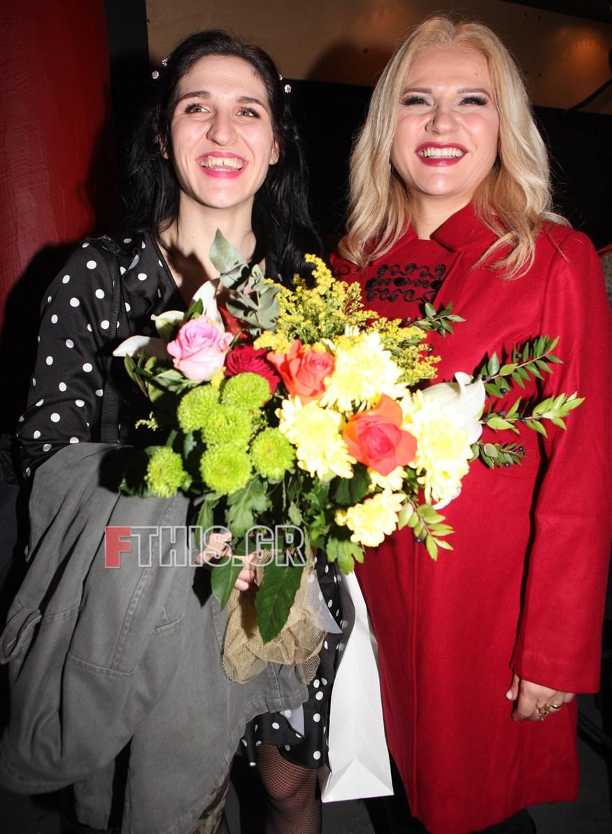 Θεατρικό ντεμπούτο για την κόρη της Μπέσυ Μάλφα και του Γεράσιμου Σκιαδαρέση