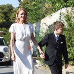 Τζένη Μπαλατσινού: Έφτασε στην εκκλησία με τον γιο της!