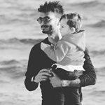 Ο Σάββας Γκέντσογλου είναι ένας τρυφερός μπαμπάς: Δείτε πως έκανε τον γιο του να… λυθεί σε γέλια!