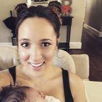 Καλομοίρα: Η αδελφή της ποζάρει με τη νεογέννητη κόρη της