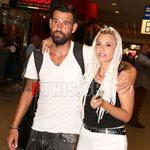 Ο Μιχάλης Μουρούτσος επέστρεψε στην Ελλάδα - Οι πρώτες φωτογραφίες με τη Λάουρα Νάργες στο αεροδρόμιο!