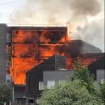 Μεγάλη φωτιά σε συγκρότημα διαμερισμάτων στο Λονδίνο