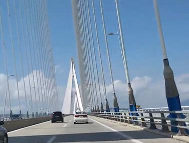 Νεκρός ο ποδηλάτης που έπεσε από τη γέφυρα Ρίου-Αντιρρίου