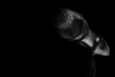 """Συγκλονίζει γνωστός Έλληνας τραγουδιστής: """"Ήθελα να αυτοκτονήσω αλλά…"""""""