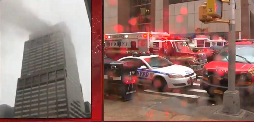 Συναγερμός στη Νέα Υόρκη- Ελικόπτερο έπεσε πάνω σε κτήριο