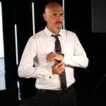 Δημήτρης Σκουλός: Το δημόσιο τρολ για την εξωτερική του εμφάνιση